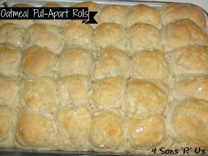 4 Sons 'R' Us: oatmeal pull apart rolls