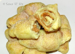 4 Sons 'R' Us: Snickerdoodle Crescents