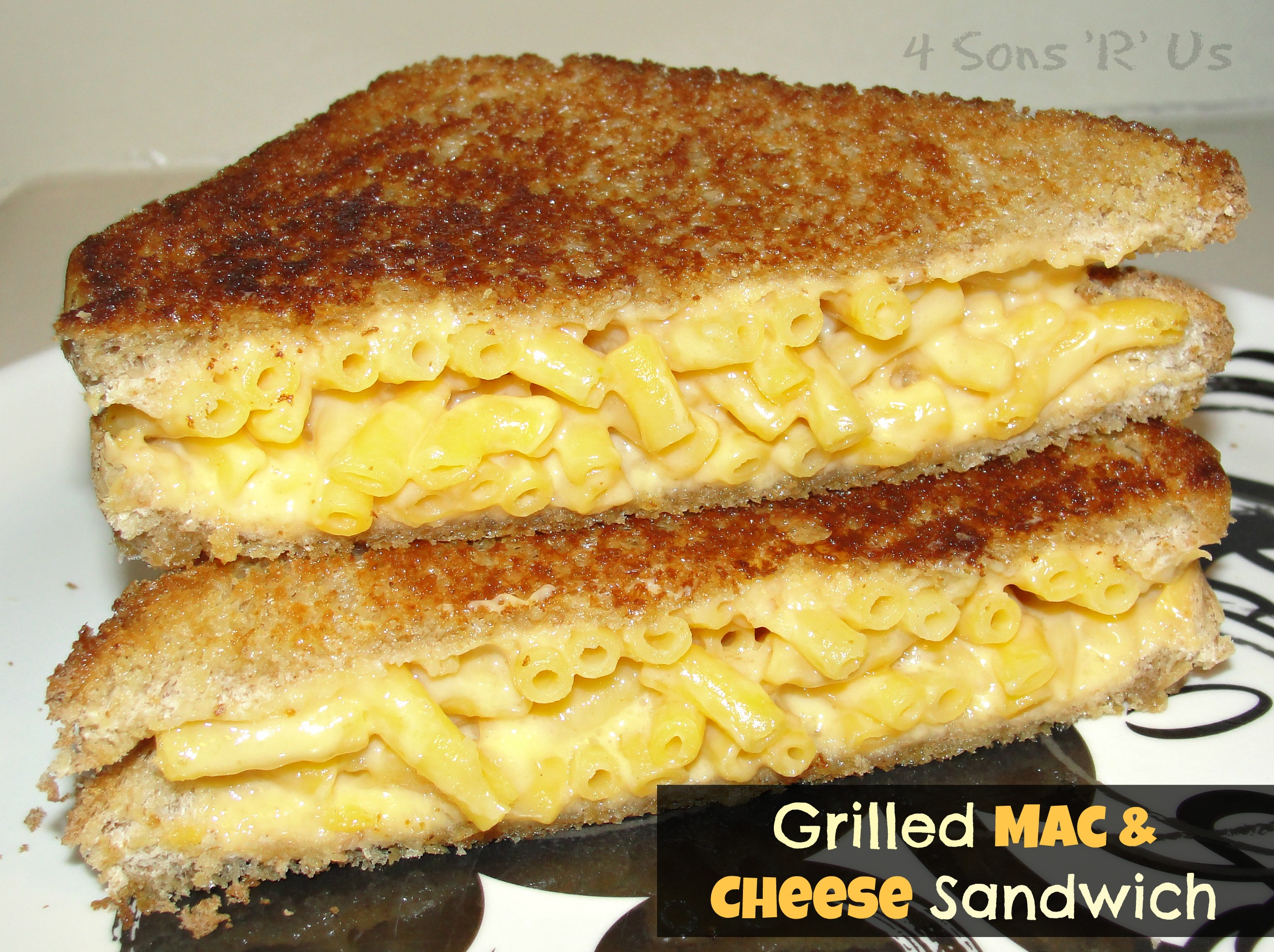 Sous Chef Sunday: Grilled Mac N Cheese Sandwich | 4 Sons 'R' Us