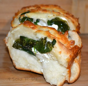 Spinach & Feta Stuffed Cheesy Bread 3